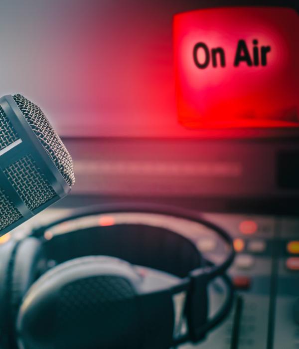 https://www.redblue.it/wp-content/uploads/2021/05/promo-radio.png